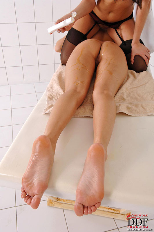 Showing Porn Images For Sandra Romain Foot Fetish Porn